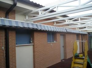 Trabajo realizado en guardería, con materiales de 1ª calidad tanto en estructura como en toldos corredizos para la protección solar,  trabajo terminado satisfactoriamente